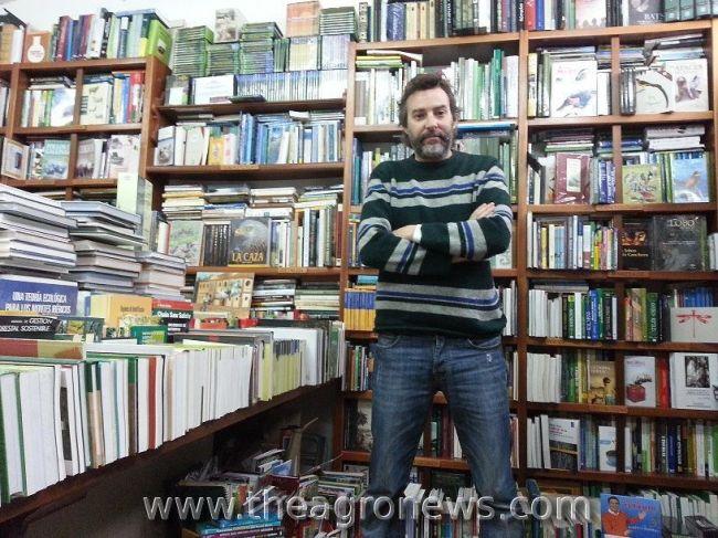 El librero agrícola de Jerez posee un stock de 40.000 títulos especializados