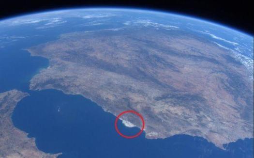 Un mar de plástico desde el espacio...