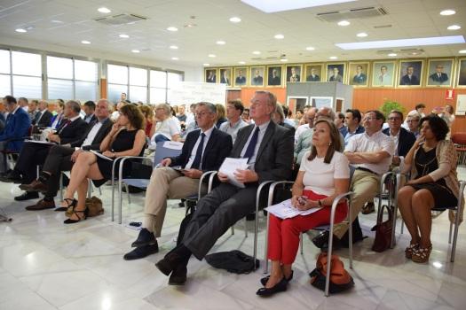 representantes de la embajada comercial