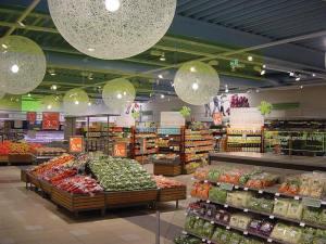 sección de hortalizas de un supermercado holandés